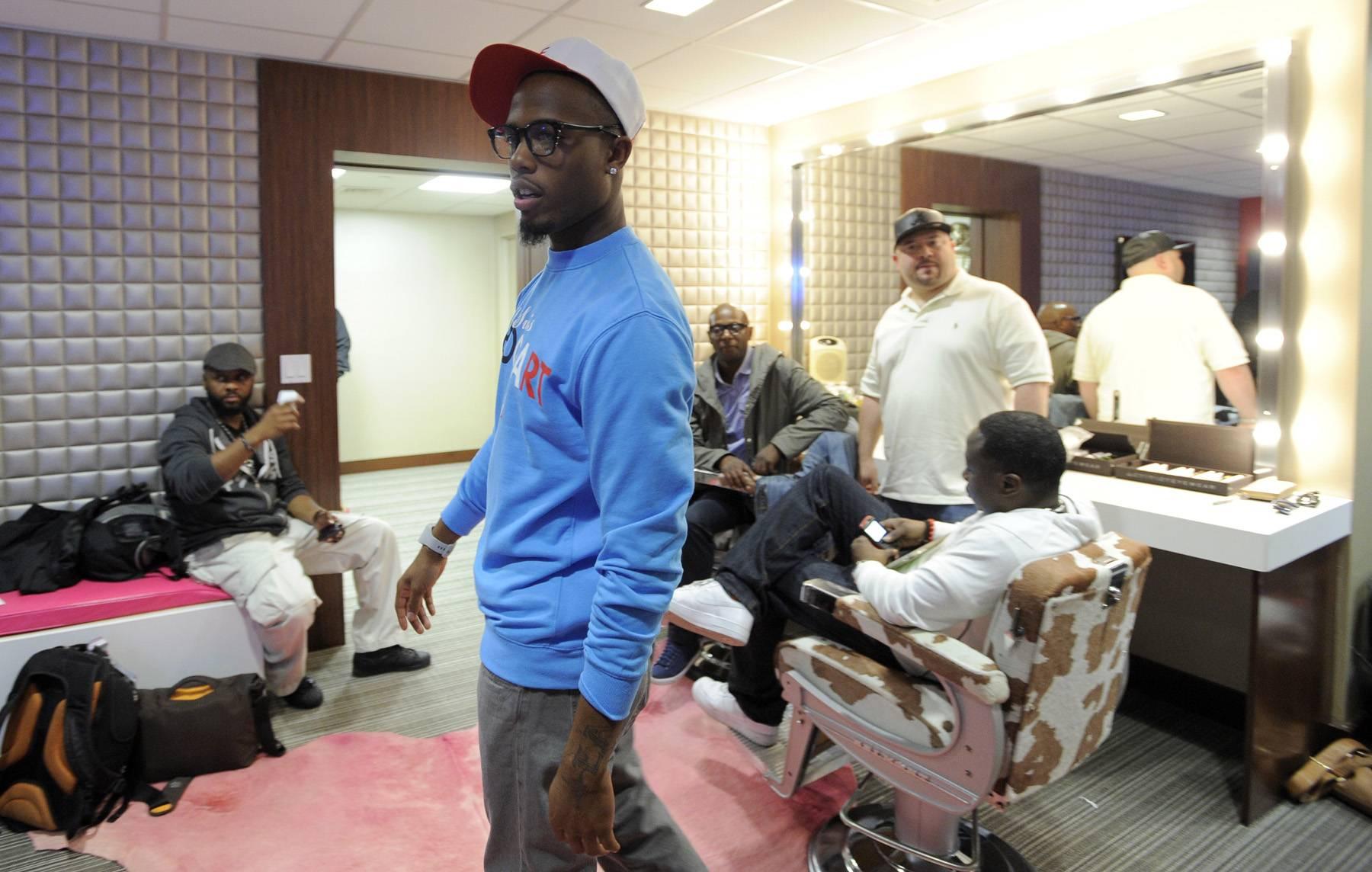 Smooth - B.o.B in the green room at 106 & Park, May 1, 2012. (Photo: John Ricard / BET)
