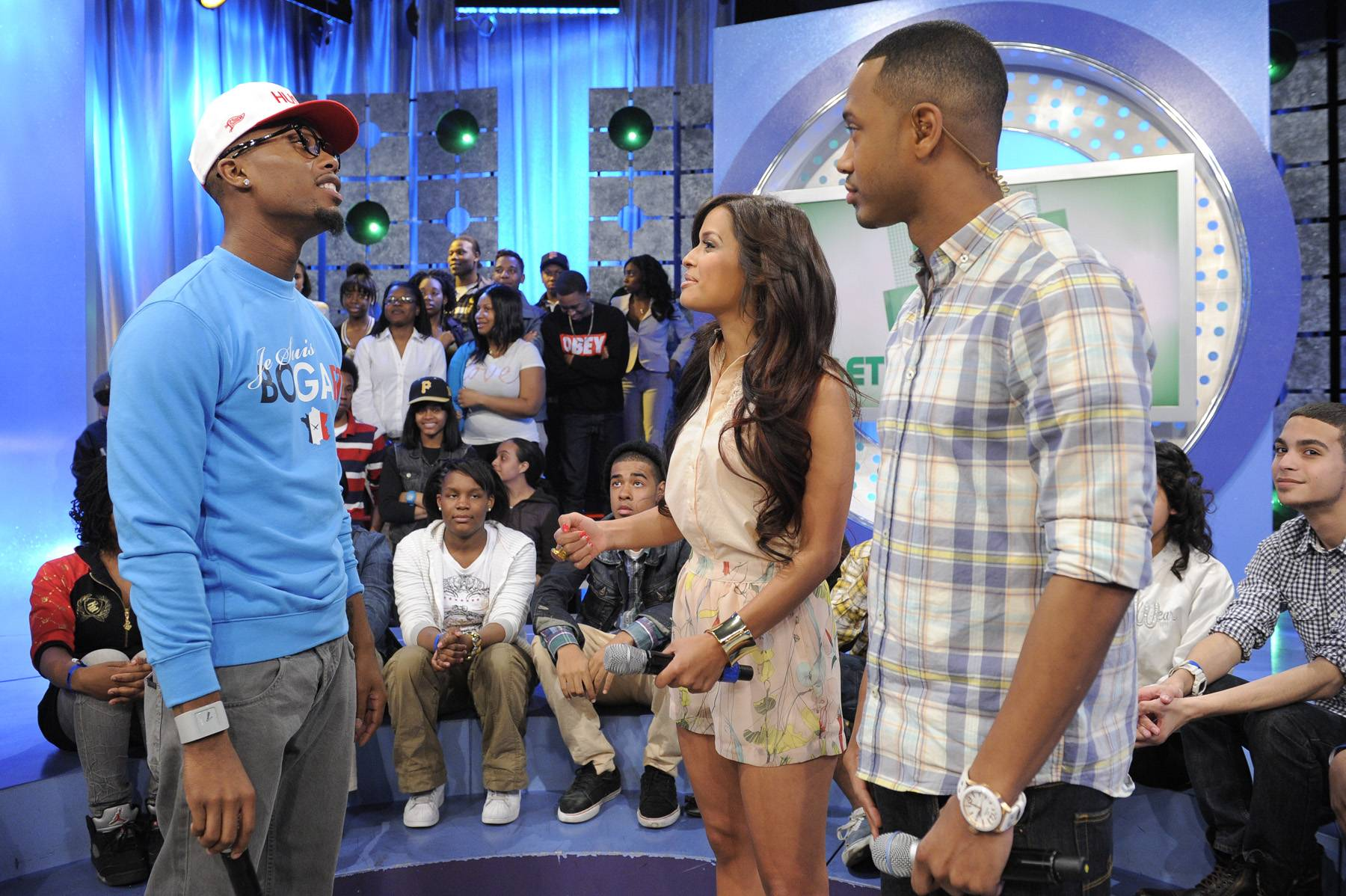 Look Over There - B.o.B with Rocsi Diaz and Terrence J at 106 & Park, May 1, 2012. (Photo: John Ricard / BET)