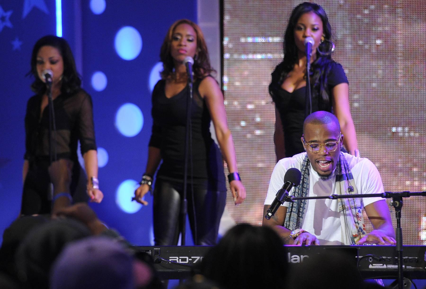 Playing Like a Pro - B.o.B performs at 106 & Park, May 1, 2012. (Photo: John Ricard / BET)