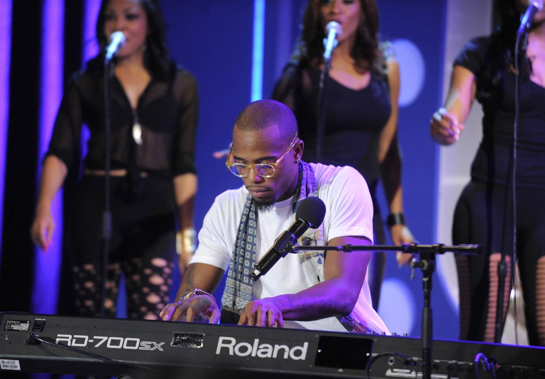Play For Me - B.o.B performs at 106 & Park, May 1, 2012. (Photo: John Ricard / BET)