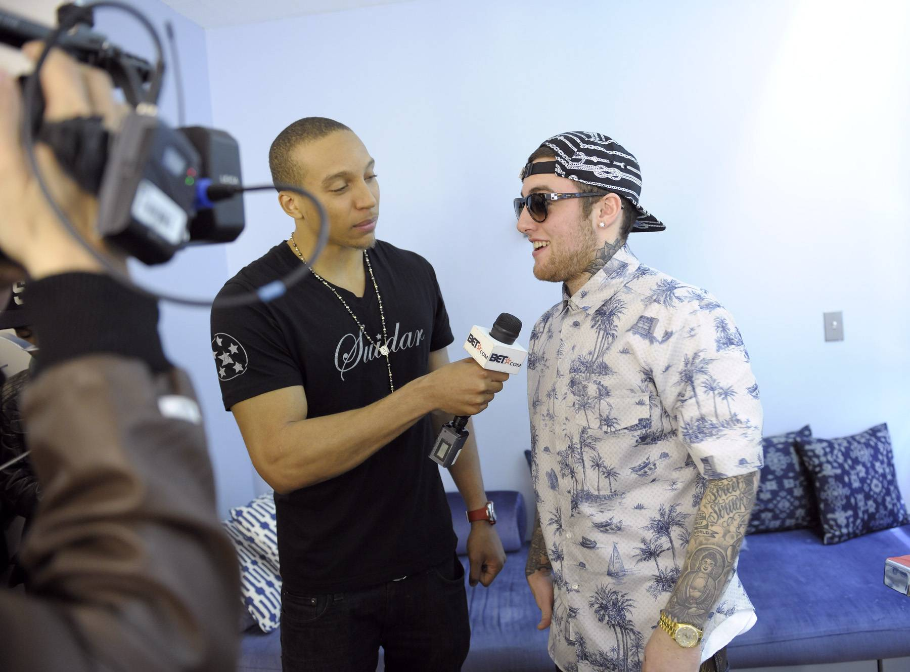 Lets Get It - Tony Anderson of bet.com interviews Mac Miller before the show in the green room at 106 & Park, April 26, 2012. (Photo: John Ricard / BET)