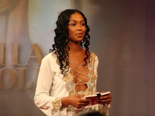 Keyshia Cole Reunion - Host Ananda Lewis gets things started.