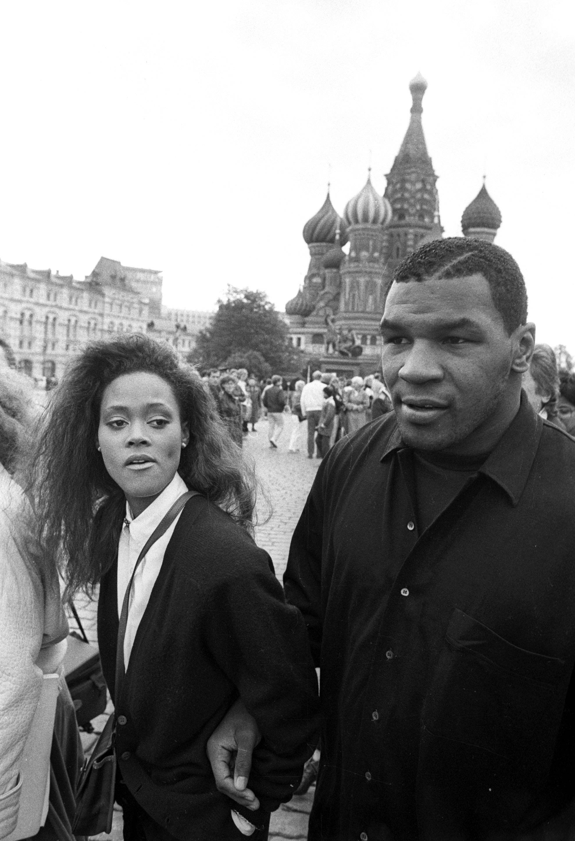 Controversial Wife - Robin Givens' most publicized rolewasher real-lifeexperience asboxer Mike Tyson's wife. The world watched on as this bizarre unionquickly fell apart.\r(Photo: REUTERS/Santiago Lyon /Landov)