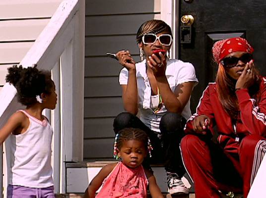The Best of Keyshia Cole - Frankie lets Yvonne know that she can't hang with her due to her watching horror movies and eating Popeye's Chicken.