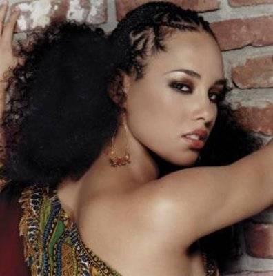 Alicia Keys - Alicia Keys in her classic pose.