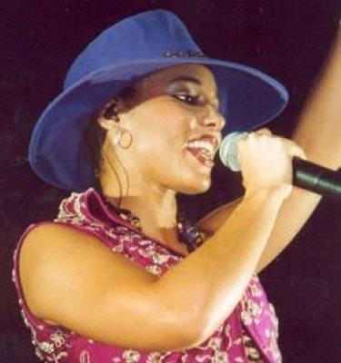 Alicia Keys - Alicia Keys knows how to move the crowd.