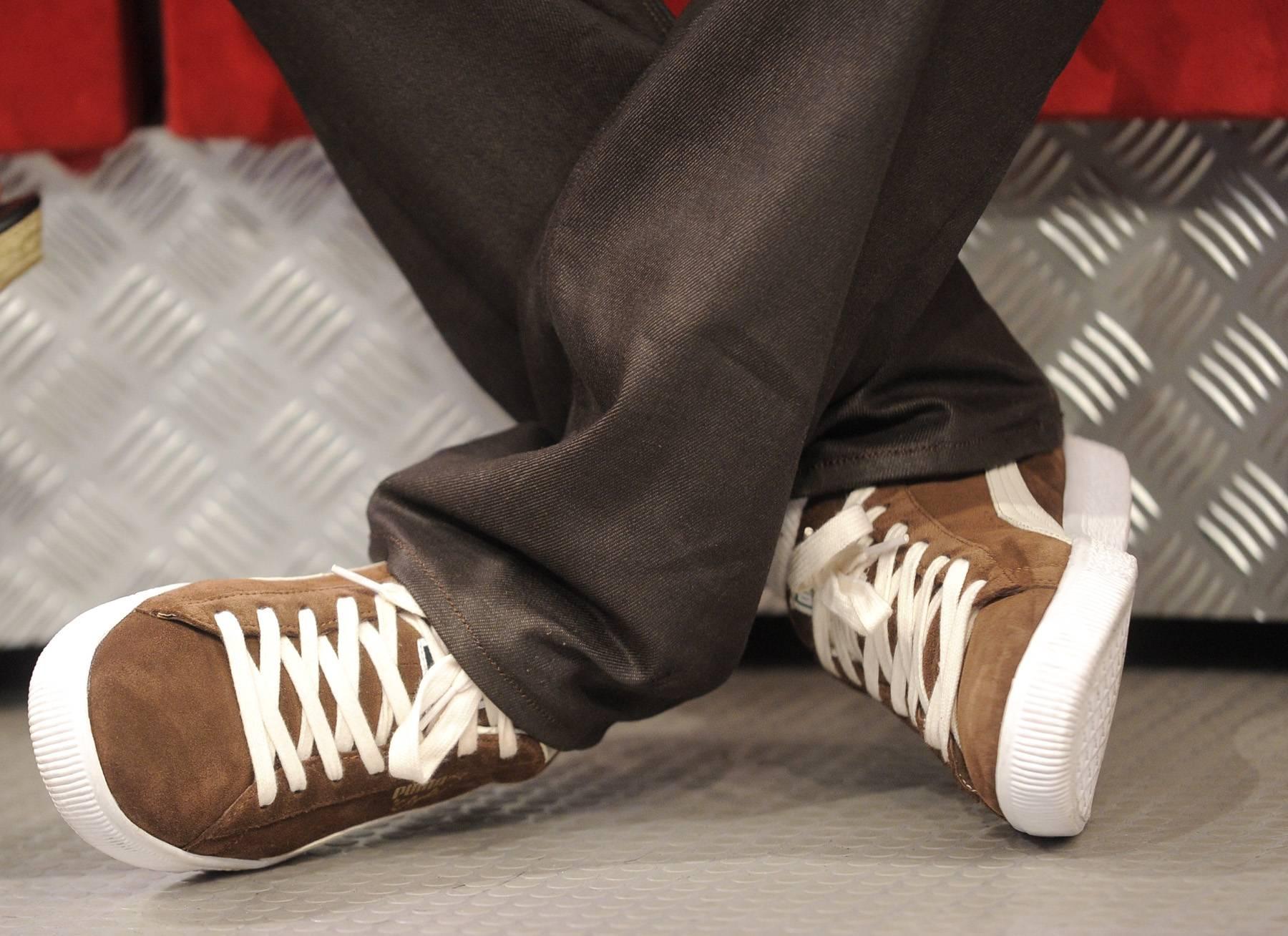 Nice Kicks - Bobby Brown at 106 & Park, May 29, 2012. (Photo: John Ricard / BET)