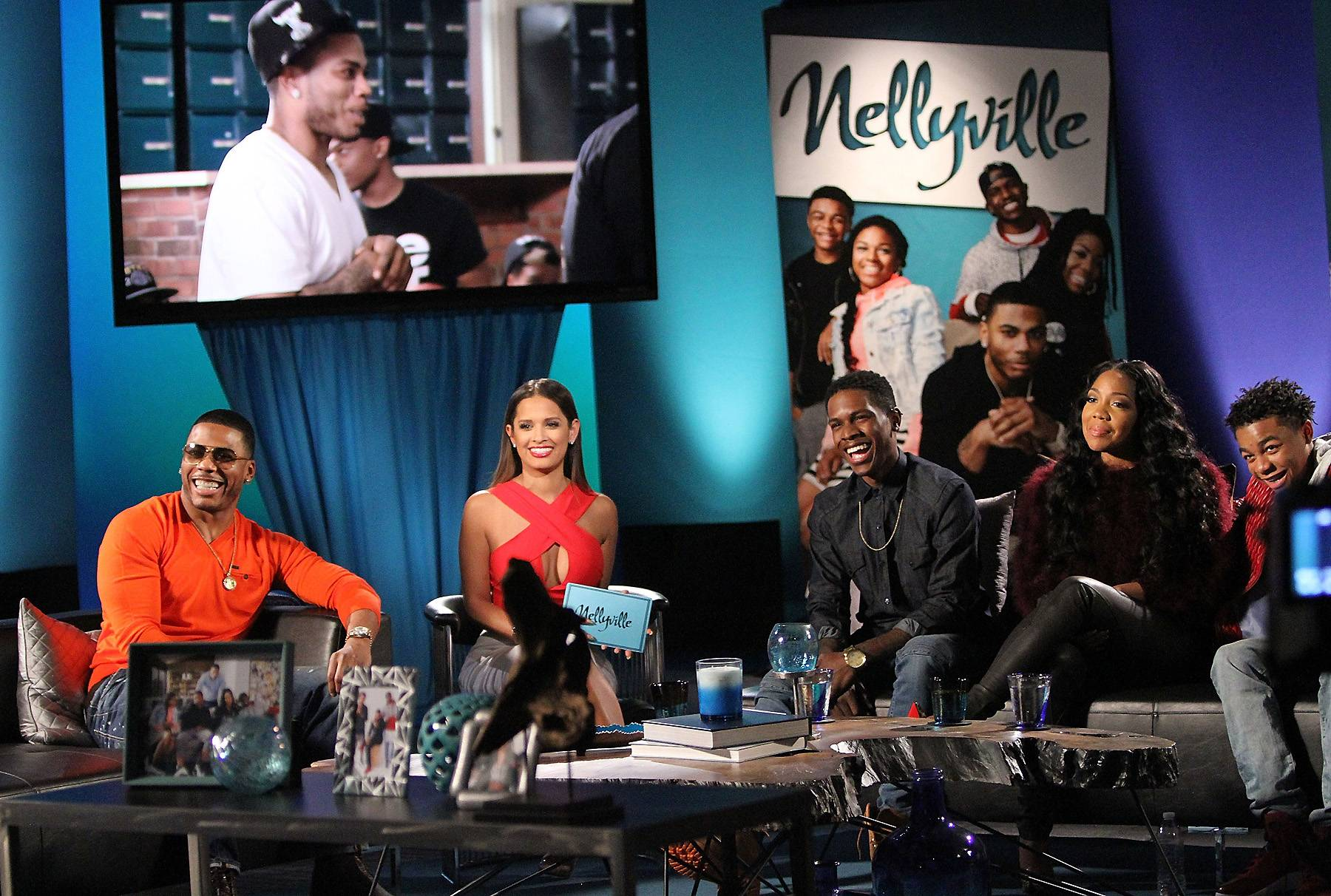 That Moment When... - The cast watches a clip from season one. (Photo: Maury Phillips/WireImage)