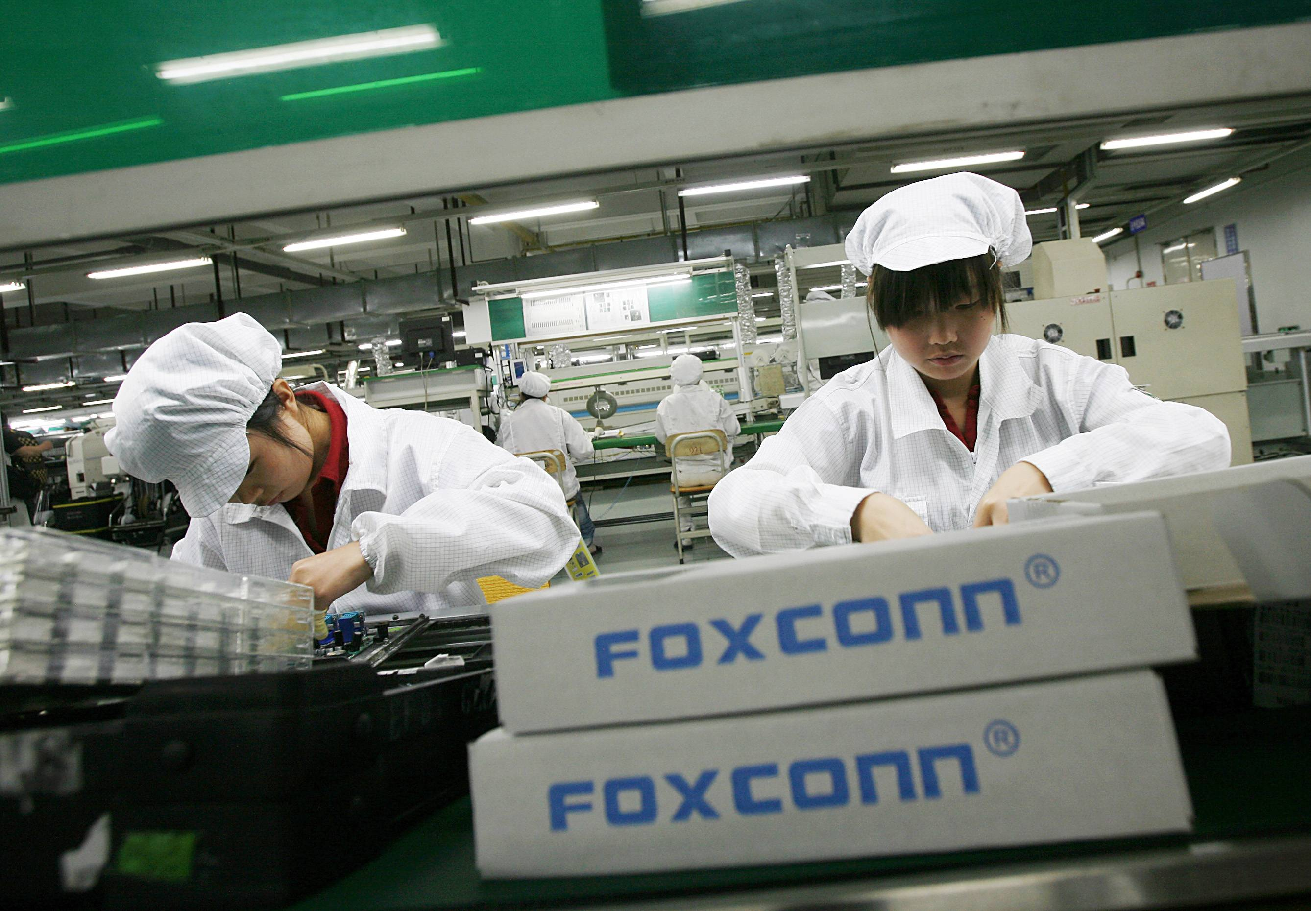 Brawl Closes Chinese iPhone Plant - Production came to a standstill at a Foxconn Technology plan in northern China after a fight broke out between two workers and escalated into a full-scale brawl involving nearly 2,000 employees. Foxconn Technology is a major supplier for Apple and has come under fire for its alleged poor working conditions.(Photo: Bobby Yip/REUTERS)