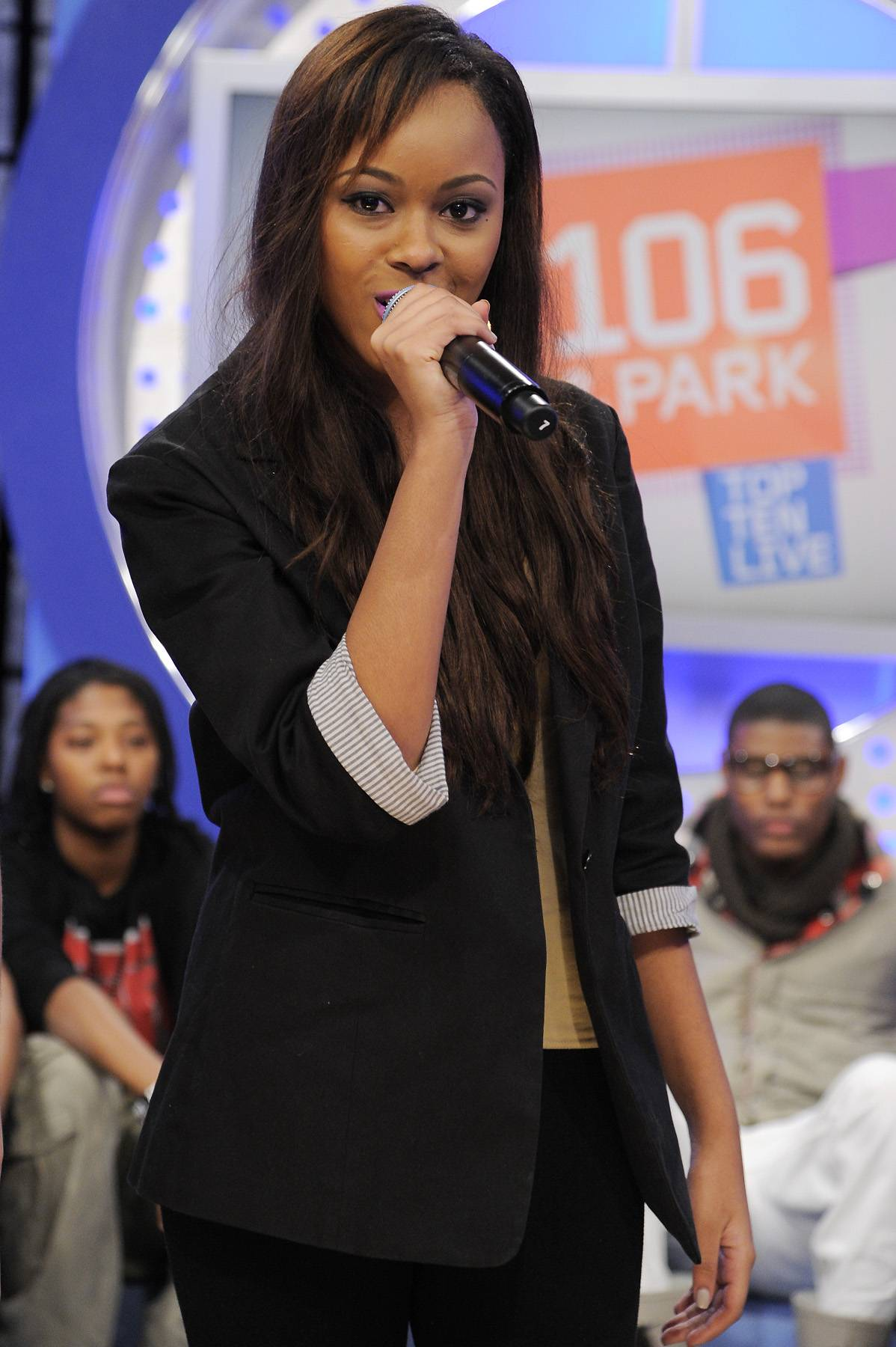 Let Me Sing - Audience member performs for the crowd during commercial break at 106 & Park, January 12, 2012. (Photo: John Ricard / BET)
