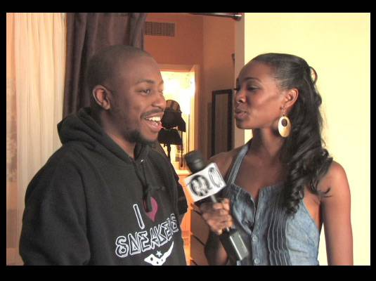Travelistas:Washington, DC - While Travelista Andrea has everything in the kitchen covered, Travelista Teri is on an adventure of her own to a hot and steamy video shoot.<br><br>She ?crashes? DC native Raheem DeVaughn?s music video shoot for his new song, ?Bedroom.?<br><br>She inquires about the song, the concept and the making of the video.
