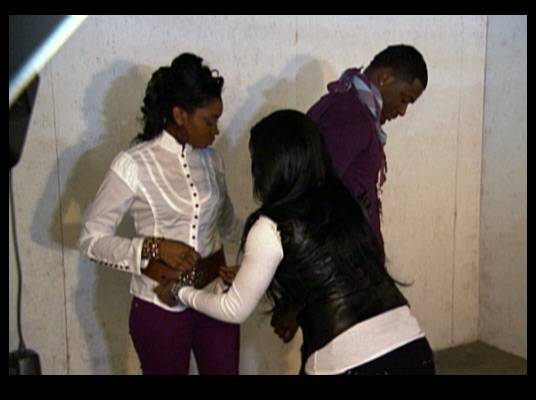 Work Relations - Toya tries not to let her relationship with MeMphitz get in the way of the job at the photo shoot.