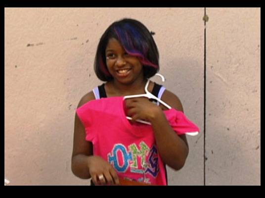 OMG Style - Toya adds a little something special to the OMG Girlz outfits. She's getting more comfortable as a stylist.