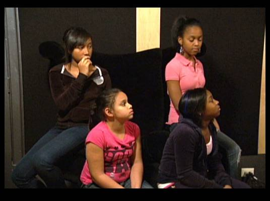 Real Talk - The OMG Girlz listen to their mentors. Will they pull off a great performance?