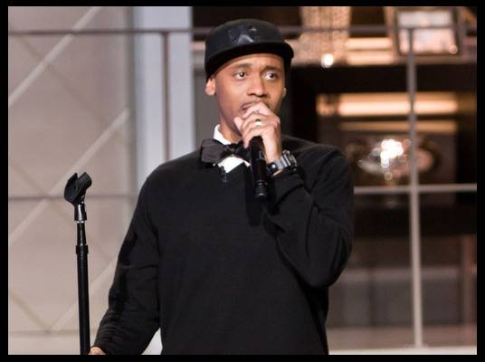 Lavar Walker - Stand-up comedian Lavar Walker became a pharmacist before pursuing stand-up comedy.