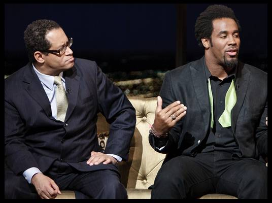Michael Eric Dyson & Dhani Jones - Mo?Nique talks to NFL player Dhani Jones about his bow ties.