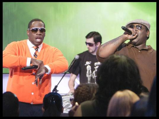 Young Dro & 8Ball - Rappers 8Ball & MJG perform their song ?Bring it Back? with Young Dro from their album, ?Ten Toes Down.?