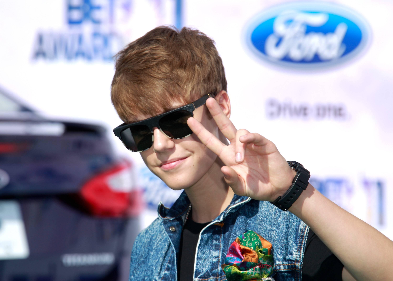 /content/dam/betcom/images/2011/07/Music-07.01-07.15/071211-Music-Justin- Bieber.jpg