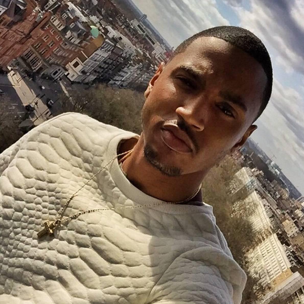 Wearing a Sweater = Cuddle Season Approaching - Why Trey? Why?   (Photo: Trey Songz via Instagram)