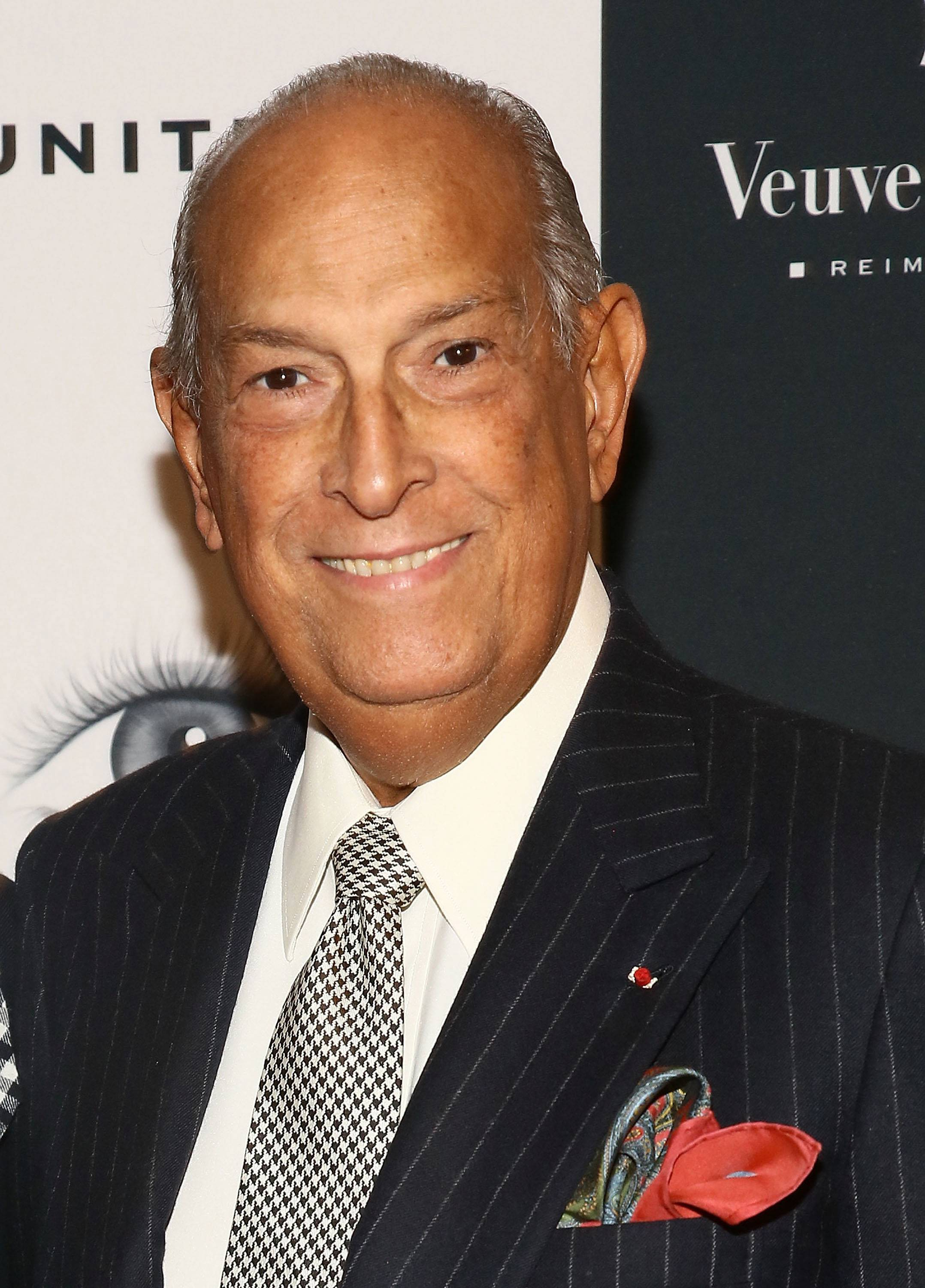 Rest in Peace, Mr. de la Renta - Oscar de la Renta, one of the world's most iconic fashion designers, has passed away at 82. Rest in peace.  (Photo: Astrid Stawiarz/Getty Images)