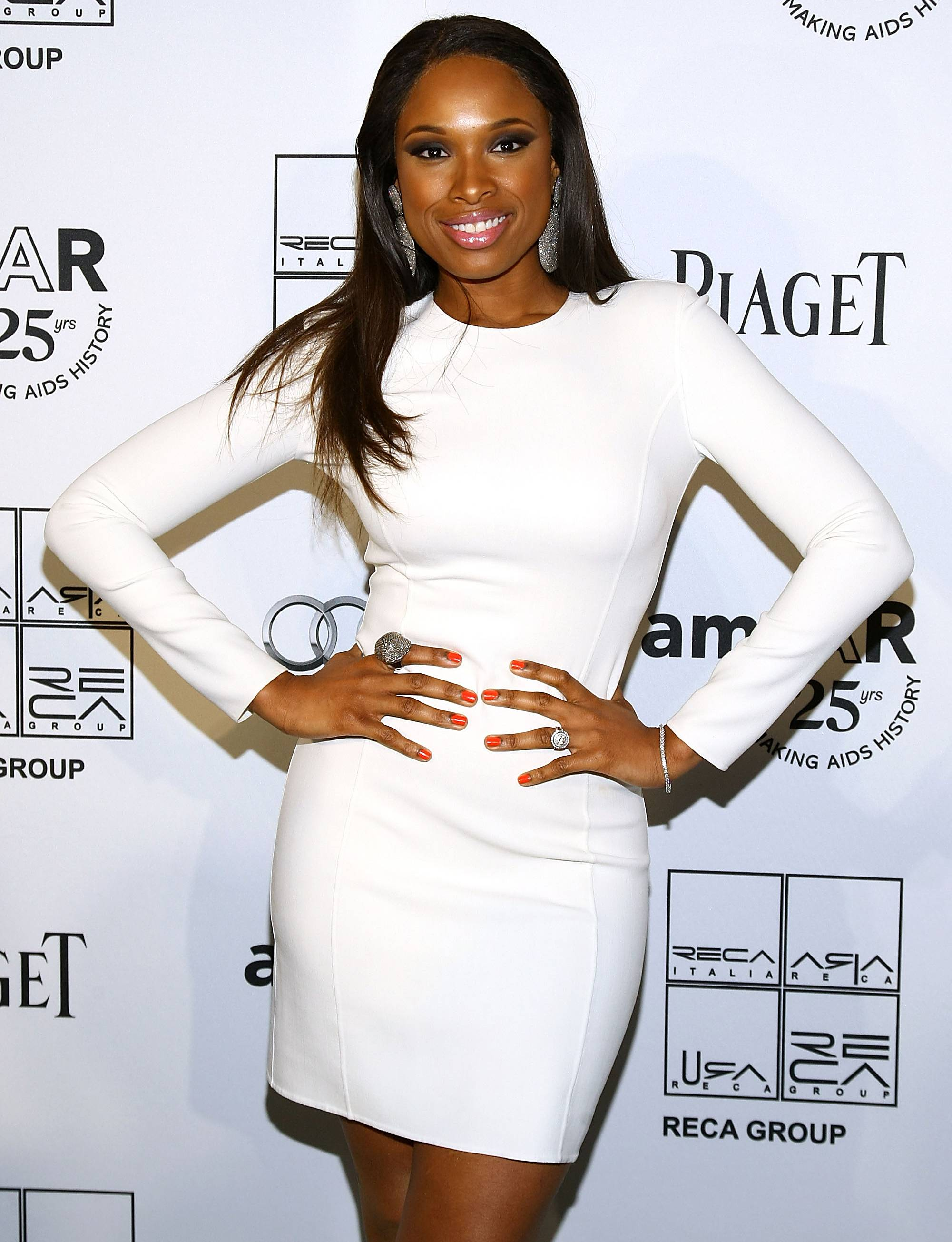 Jennifer Hudson Comes to 106 Tonight! - The talented and lovely Jennifer Hudson will be on 106 & Park tomorrow night! In anticipation of her appearance, we?ve listed the ways she makes our hearts pitter-patter. Our first reason: she?s always showing BET love.Watch Jennifer Hudson tonight on 106 & Park at 6P/5C!?Jes?s Trivi?o Alarc?n(Photo: Neilson Barnard/Getty Images)