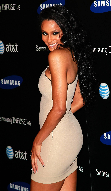 /content/dam/betcom/images/2011/06/Fashion-and-Beauty/060111-Fashion-Ciara-Us-weekly.jpg