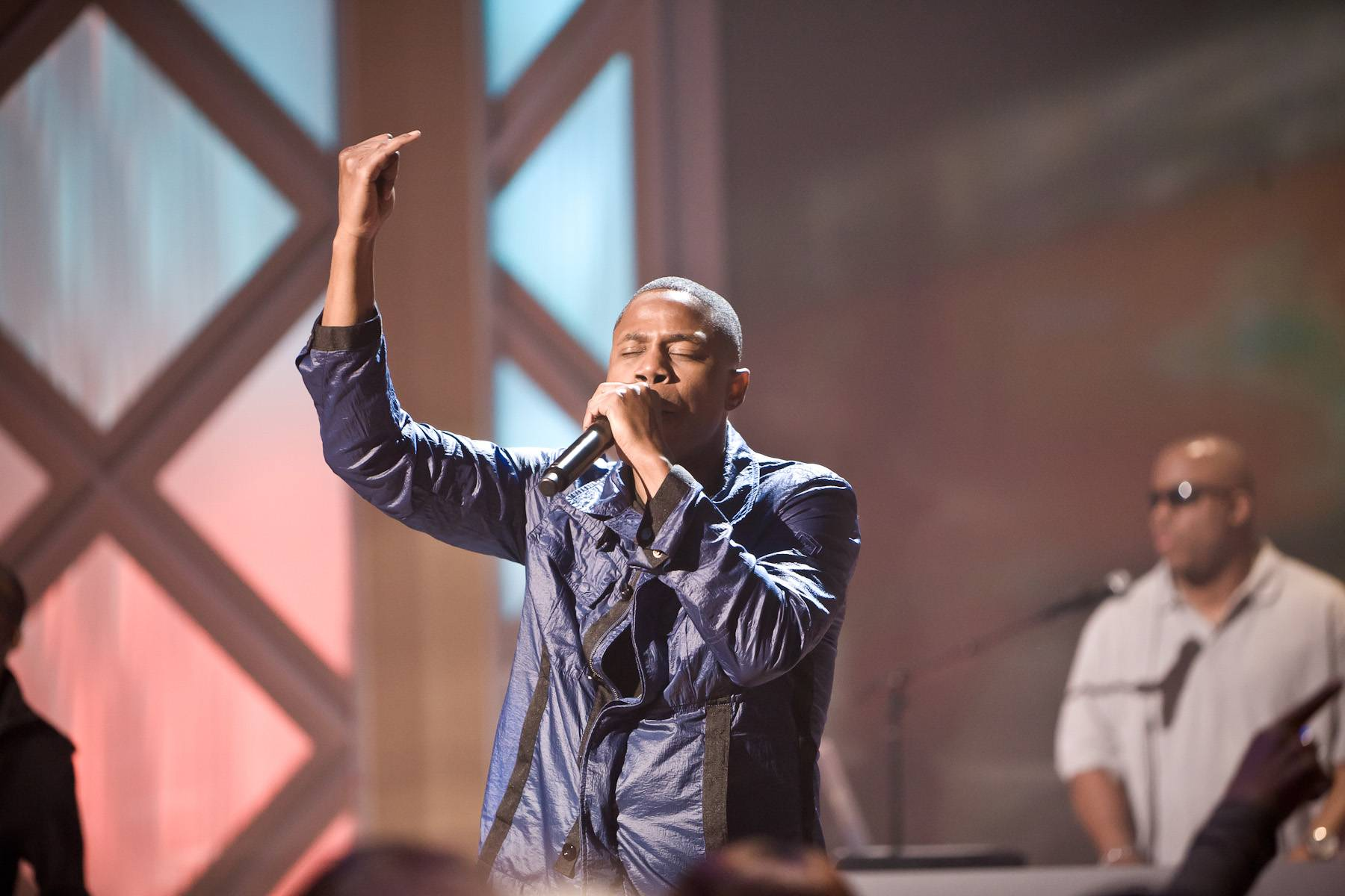 """""""The Show"""" - Doug E. Fresh hit the stage to perform his old school classic """"Keep Risin' to the Top.""""(Photo: Darnell Williams/BET)"""