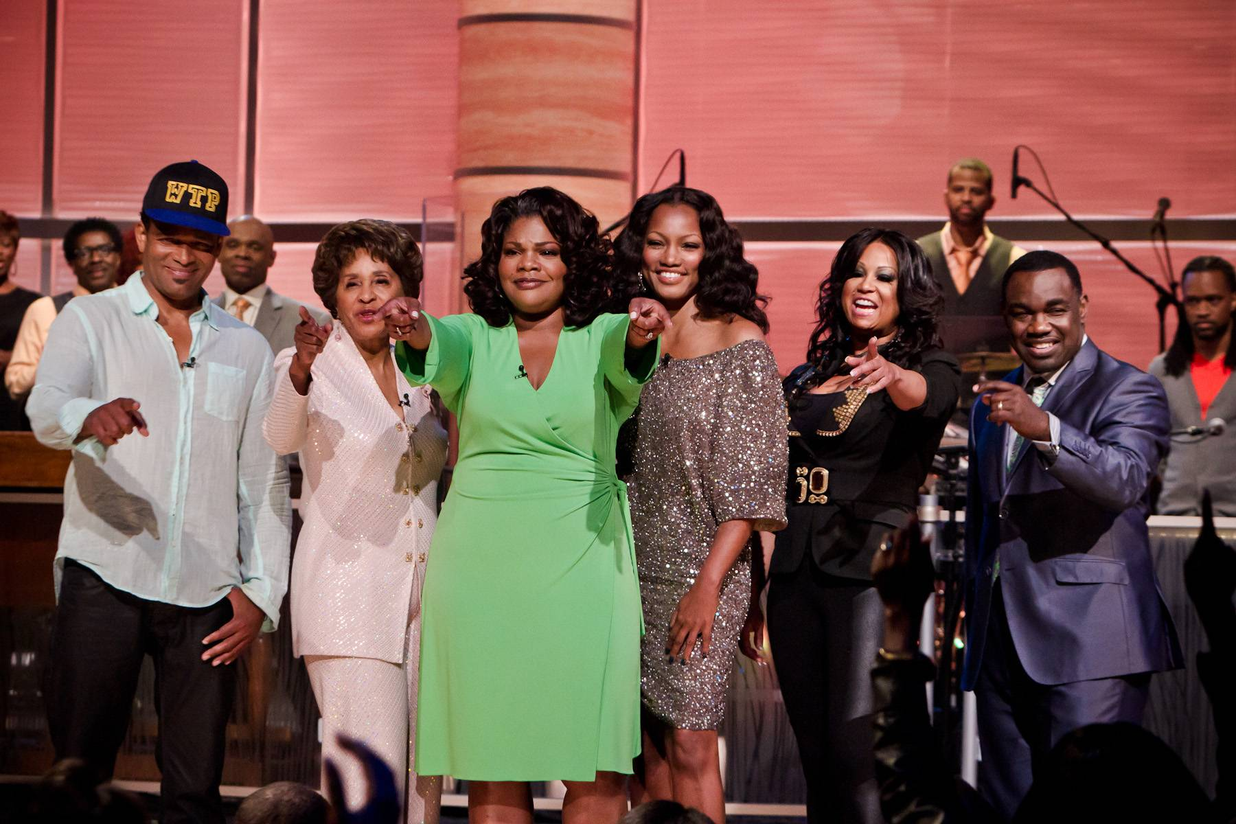 Farewell to Another Great Episode - From left: It's a wrap! Mario Van Peebles, Marla Gibbs, Mo'Nique, Garcelle Beauvais, CeCe Peniston and Rodney Perry.(Photo: Darnell Williams/BET)