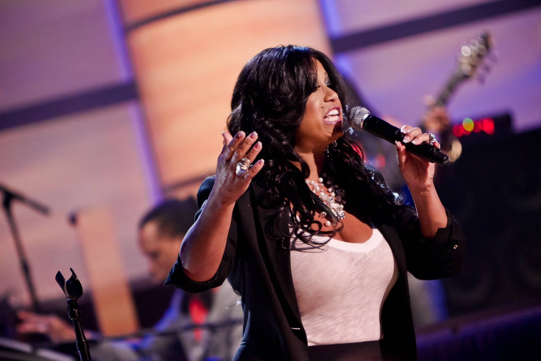 """Stuck on """"Stoopid"""" - CeCe Peniston hits the stage to perform her new single, """"Stoopid!""""(Photo: Darnell Williams/BET)"""