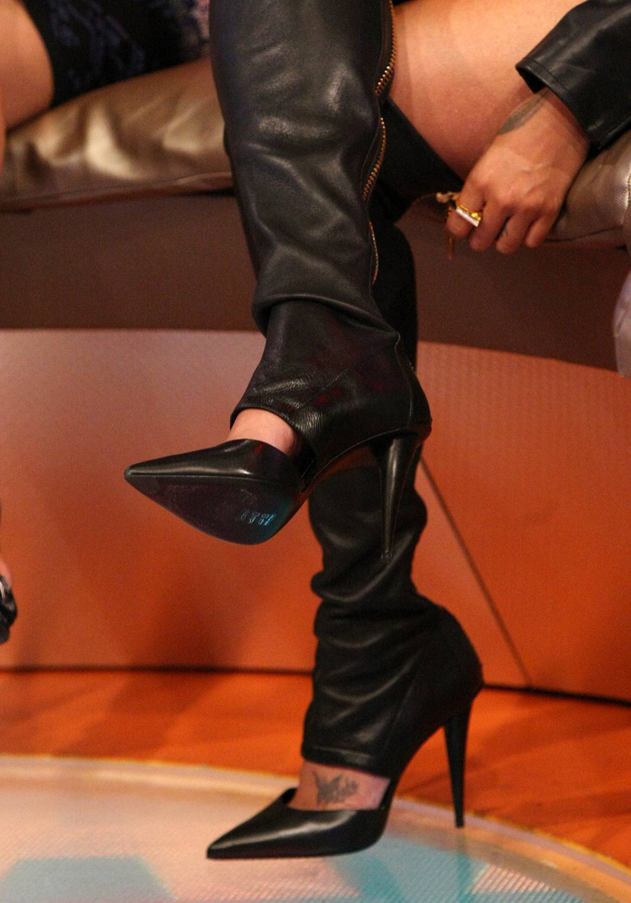 Knee High - LaLa Anthony rocks some knee high boots while on 106. (Photo: Bennett Raglin/BET/Getty Images for BET)