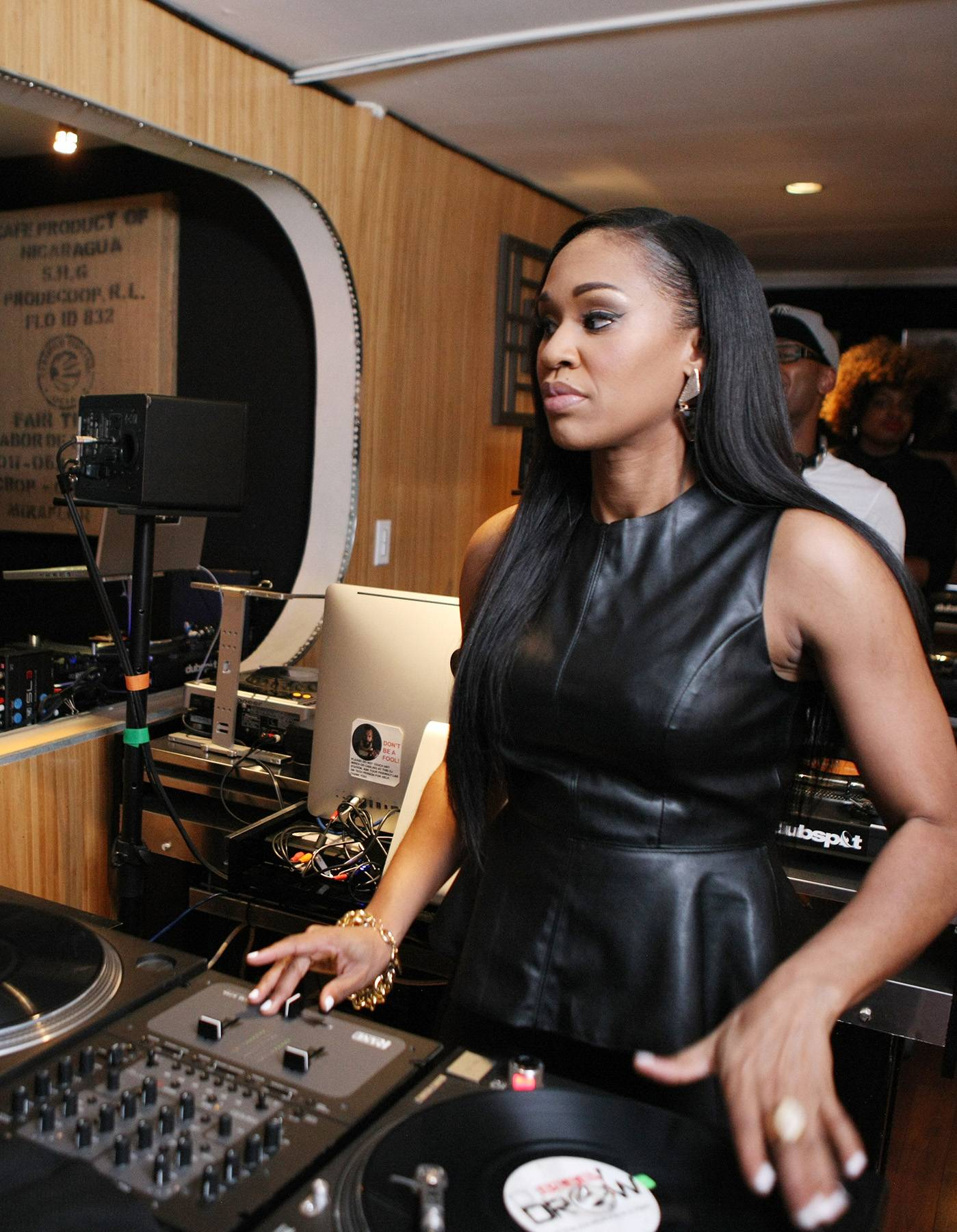 Not Even Looking - DJ Traci Steele is so nice she doesn't have to look. (Photo: Bennett Raglin/BET/Getty Images for BET)