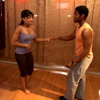 """Hell Date """"Too Much Info"""" - While the two attend a dance lesson, Simone's stomach starts to bother her."""