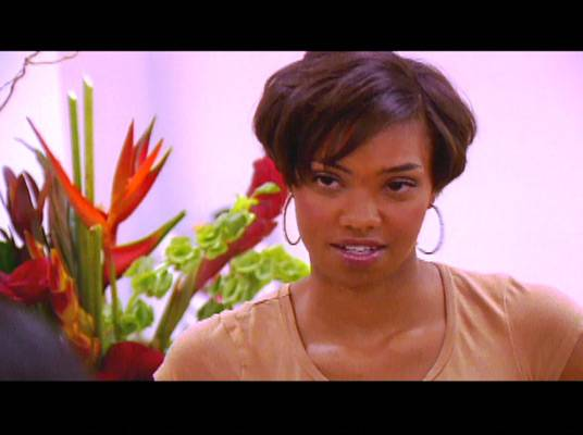 Somethin' Funky - Bridget lets Kelly know that Brooke dislikes Kelly's friendship with Ashlie.