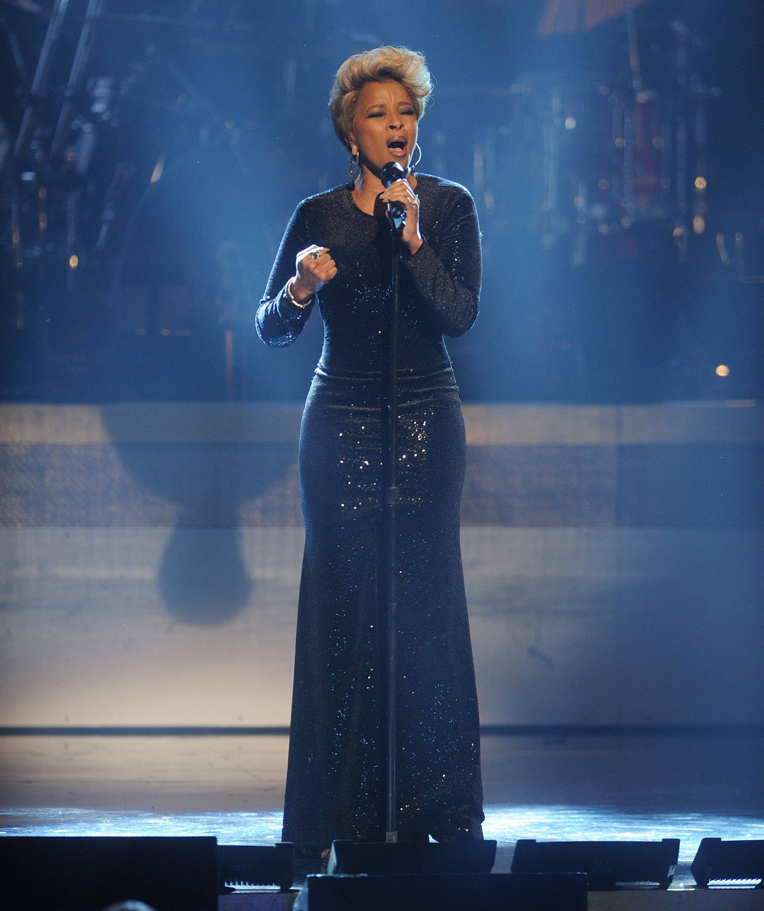 Hip Hop Soul Session  - Singer Mary J. Blige performs for The BET Honors honorees with a new track from her album TheLondon Sessions. (Photo: Brad Barket/BET/Getty Images for BET)