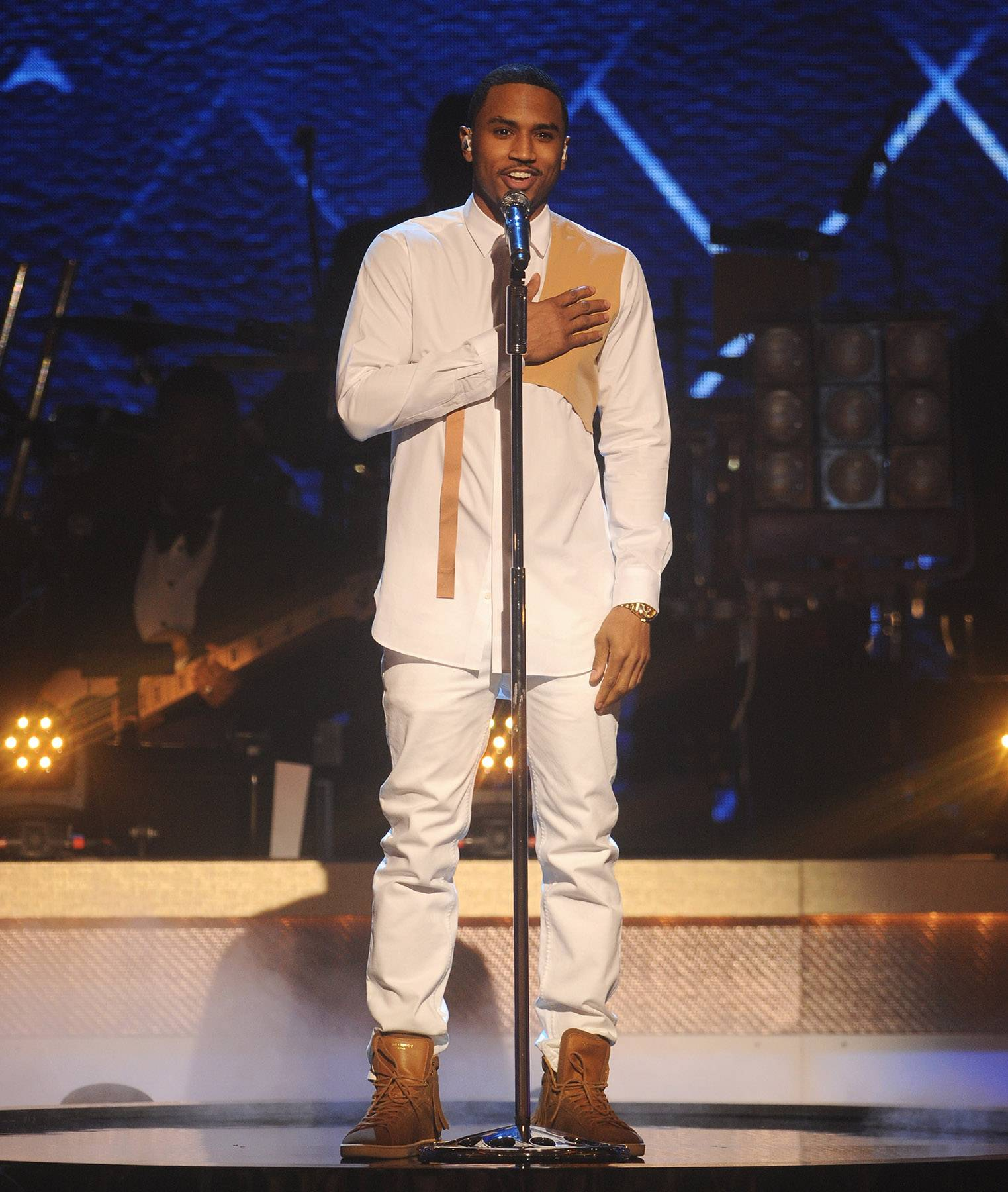 """R&B Vibes  - Singer Trey Songz performs a tribute for BET Honors Musical Arts Award recipientUsher. He adds his own spin to """"Nice and Slow."""" (Photo: Brad Barket/BET/Getty Images for BET)"""