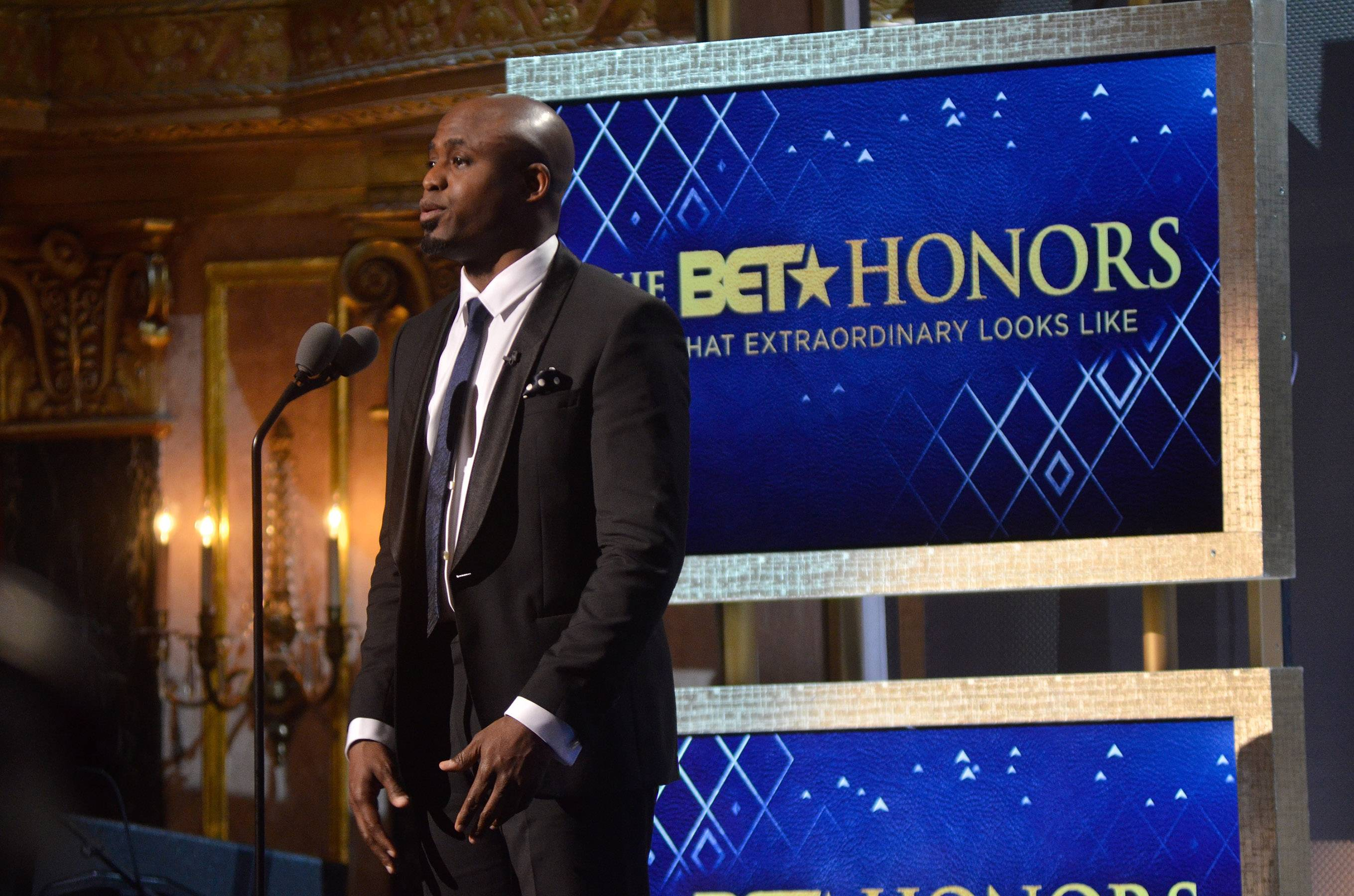 Honoring the Elite  - Actor Wayne Brady speaks on his undoubted respect for each of the honorees. (Photo: Kris Connor/BET/Getty Images for BET)
