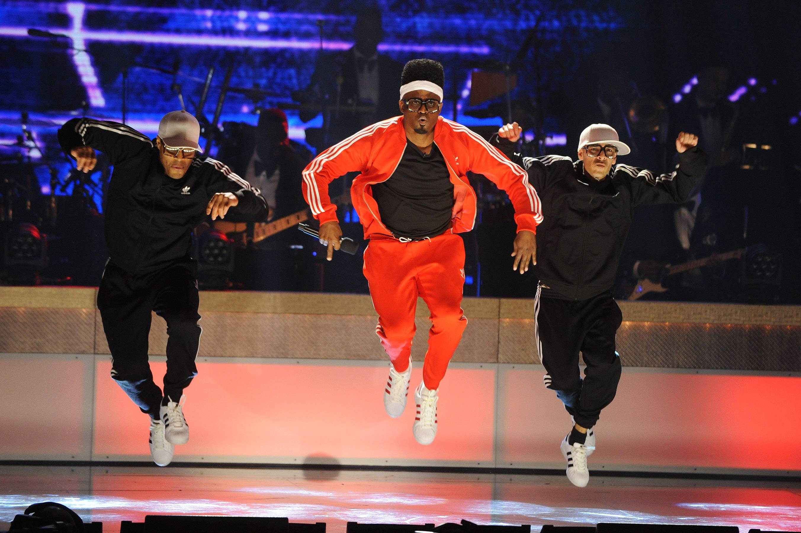 The Wayne Brady Show  - FunnymanWayne Bradygoes all in with a '90s performance. He really shows that he's th a renaissance man with his quick witted raps and killer dance moves. (Photo: Brad Barket/BET/Getty Images for BET)