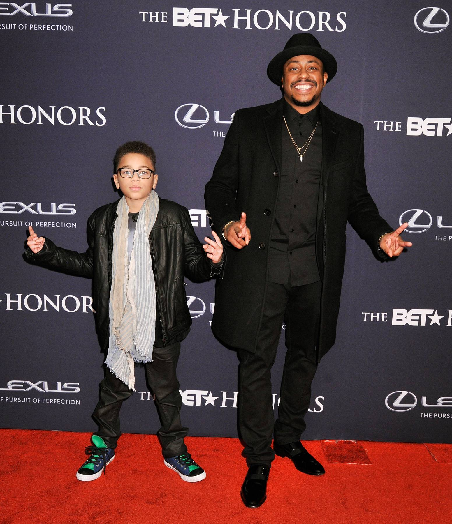 The Greatness  - Singer Raheem Devaughn attends The BET Honors 2015 in all black everything! His black jacket made the look come alive by adding a smooth touch to the outfit. (Photo: Kris Connor/BET/Getty Images for BET)