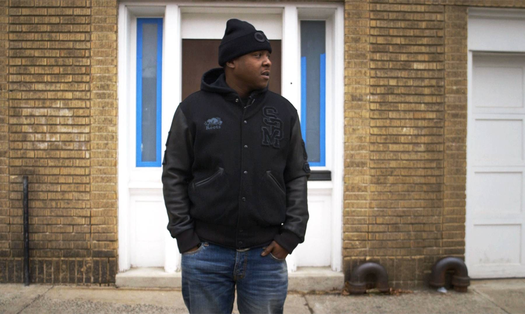 Jadakiss in Front of His Childhood Home - (Photo: BET)