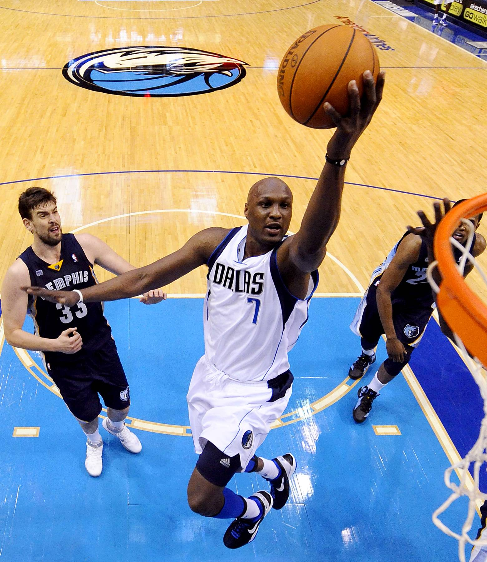 A Turn for the Worse - In a trade that he was unhappy with, Odom was acquired by the Dallas Mavericks in 2011. Still mourning his late cousin, Odom failed to perform well on the team. By April 2012, he and the Mavericks agreed to sever ties, and Odom was downgraded to the NBA Developmental League. He officially left the Mavericks two months later.(Photo: EPA/LARRY W. SMITH /LANDOV)