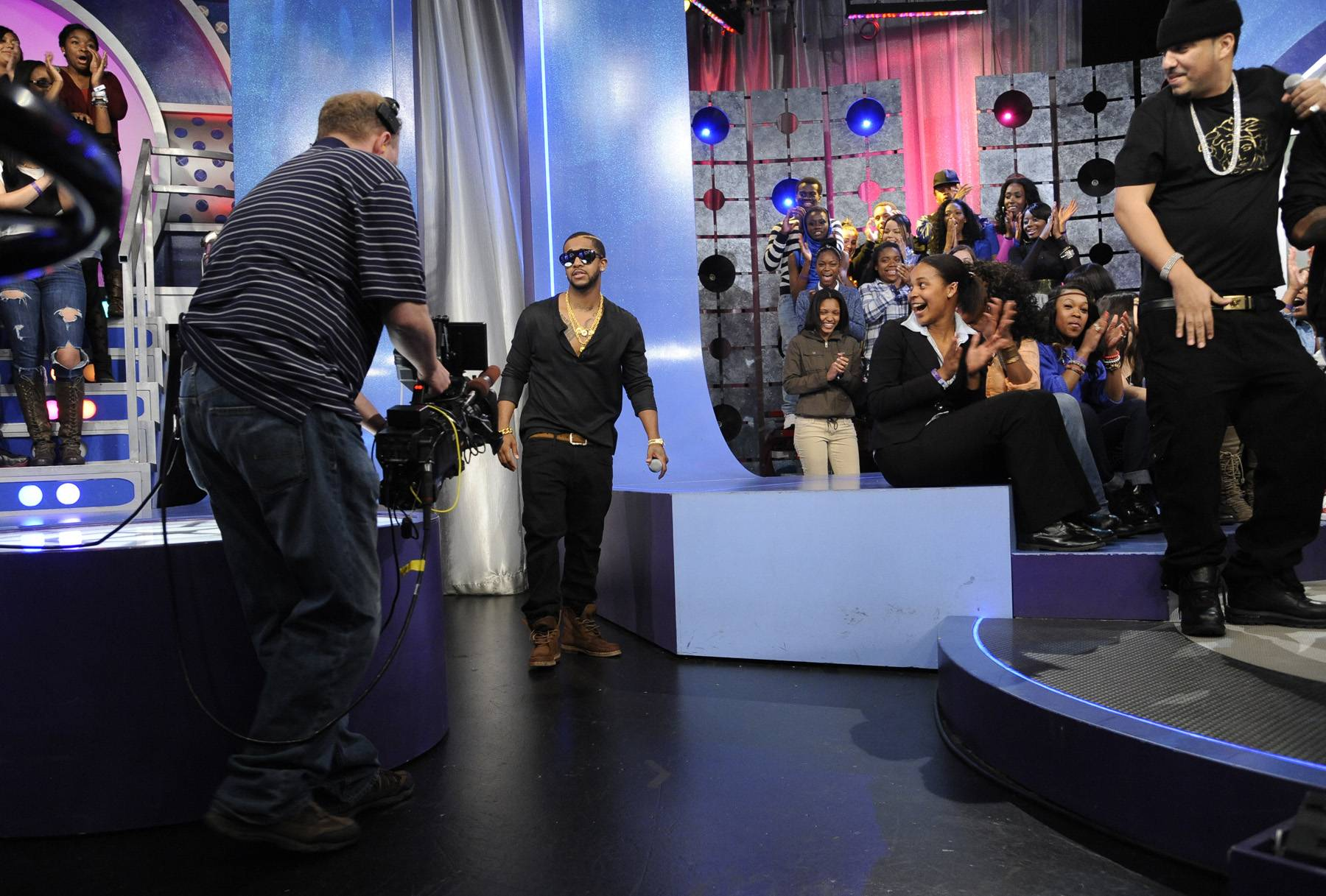 Right There - Omarion takes the stage at 106 & Park, May 2, 2012.(Photo: John Ricard/BET)