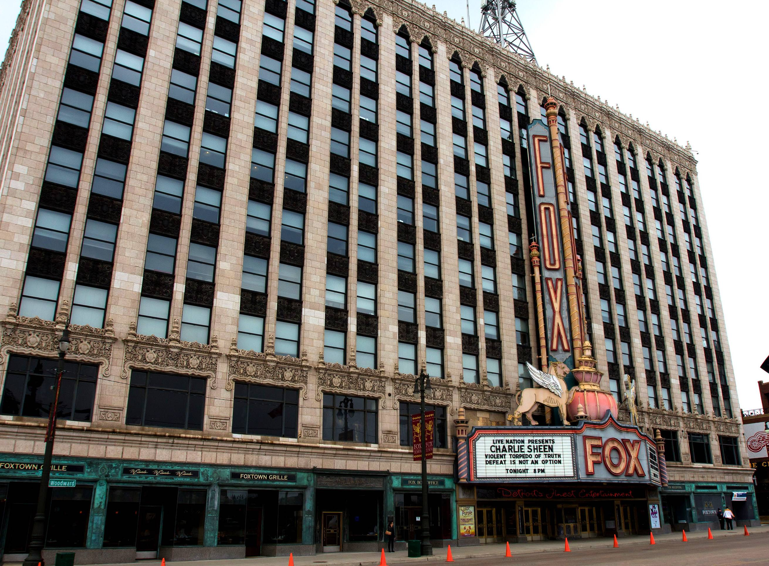 040212-shows-lets-stay-together-detroit-honeymoon-fox-theatre.jpg