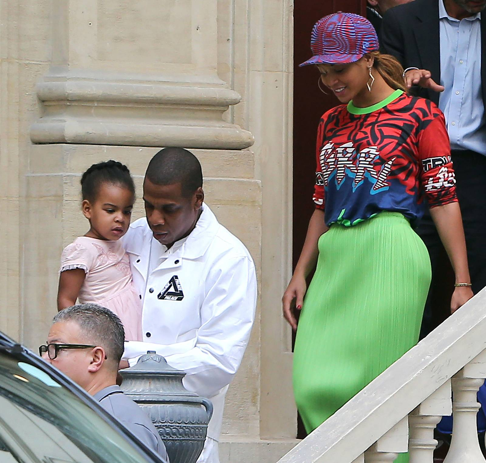 Jay Z, Beyonce and Blue Ivy Do Paris - Beyonce, Jay Z and Blue Ivy were spotted visiting luxurious real estates in Paris. They've got their eyes on a home located near Elysee Palace, where the French president resides. Must be nice.   (Photo: KCS Presse/Splash News)