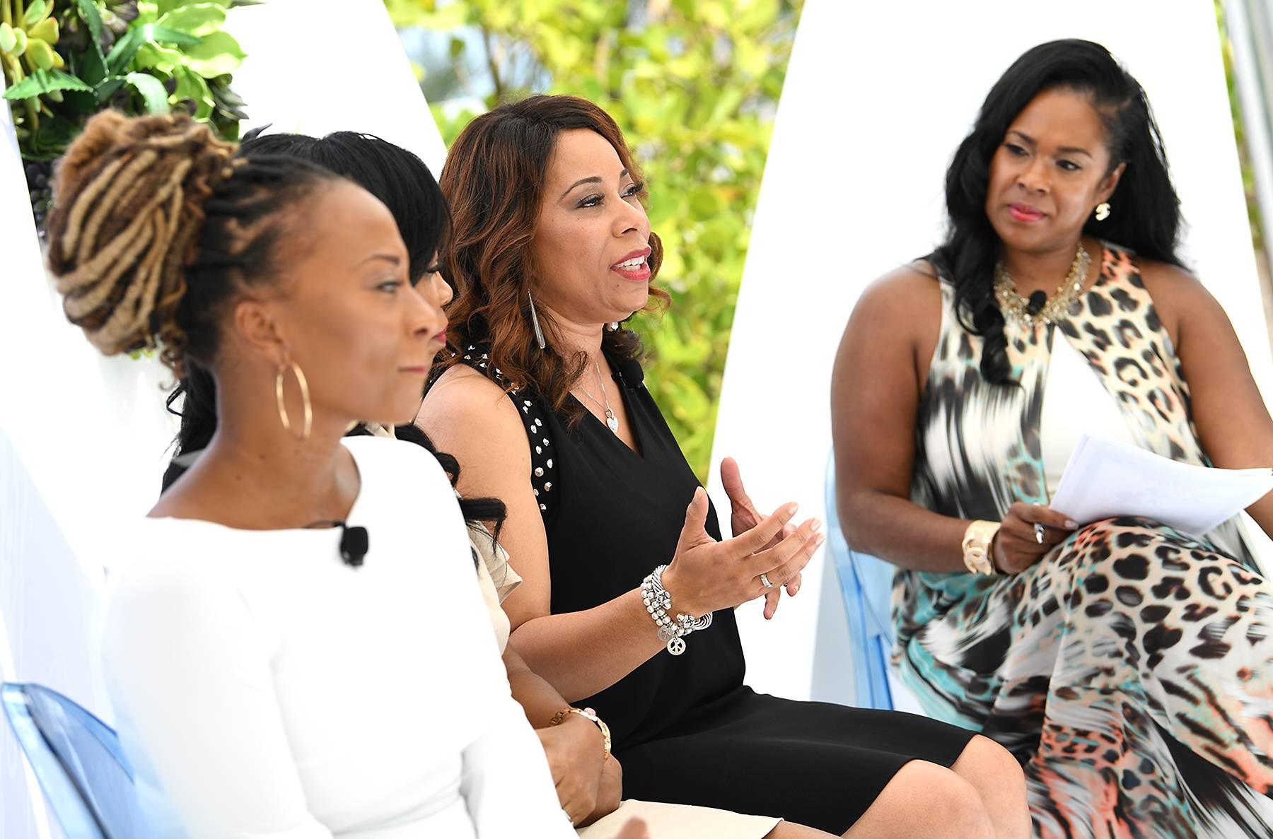 Teneshia Jackson Warner,Felicia Phillips,Sonia Jackson Myles - Teneshia Jackson Warner,Felicia Phillips,Sonia Jackson Myles (Photo: Phelan Marc/BET)