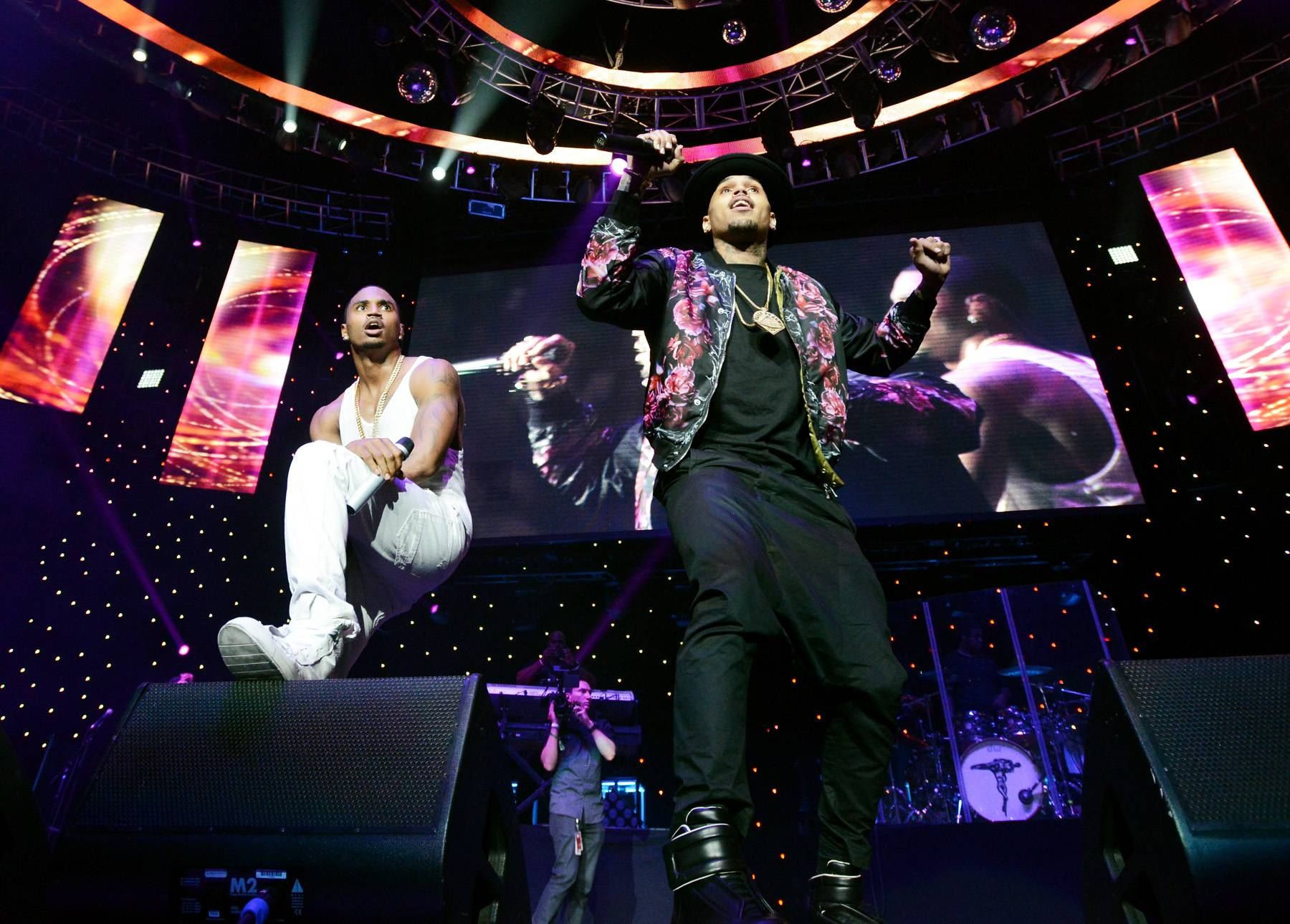 Back to Breezy - Team Breezy got a big surprise last night,Chris Brown jumped on stage and the crowd went crazy!(Photo: Earl Gibson/BET/Getty Images for BET)