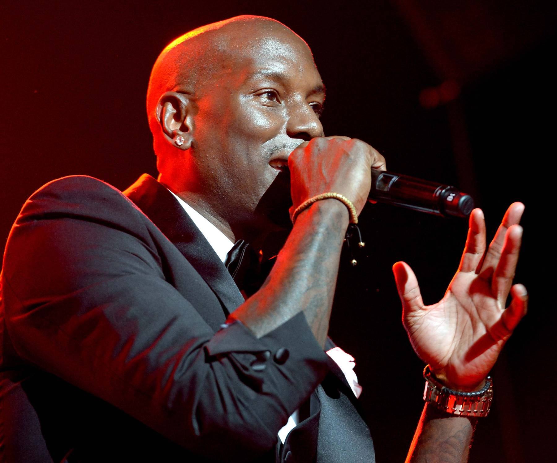 Go Hard or Go Home - Tyrese never gives anything less than 100 percent when he's at the mic.(Photo: Earl Gibson/BET/Getty Images for BET)