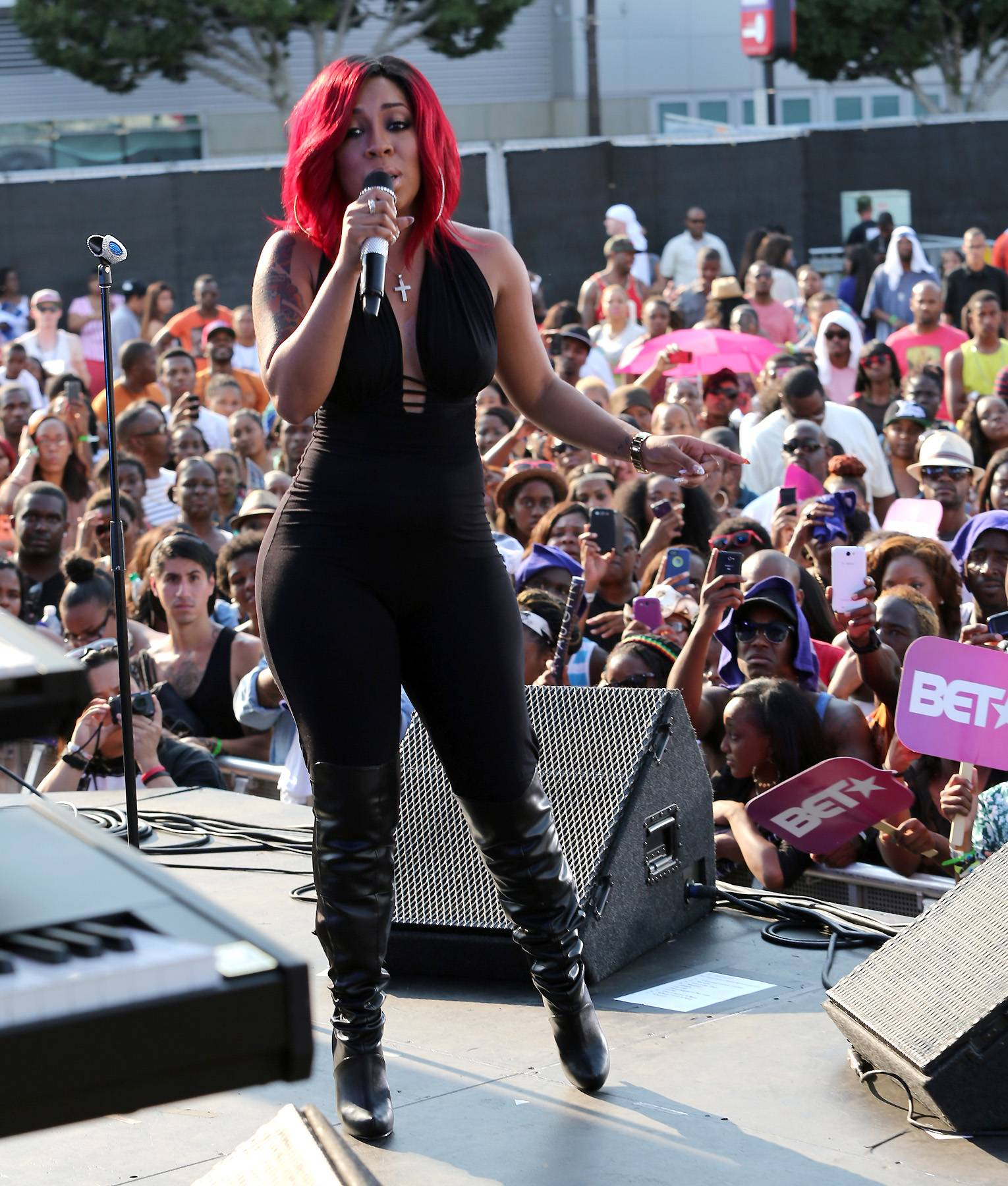 """Speaking You Soul - Once K. Michelle hits the Soul Train Awards stage, she'll """"killing [you] softly with her song"""" and her soul! So get the tissues ready becasue you're feel every note on December 1st, 2013. at 8P/7C.(Photo: James W. Lemke/Getty Images for BET)"""