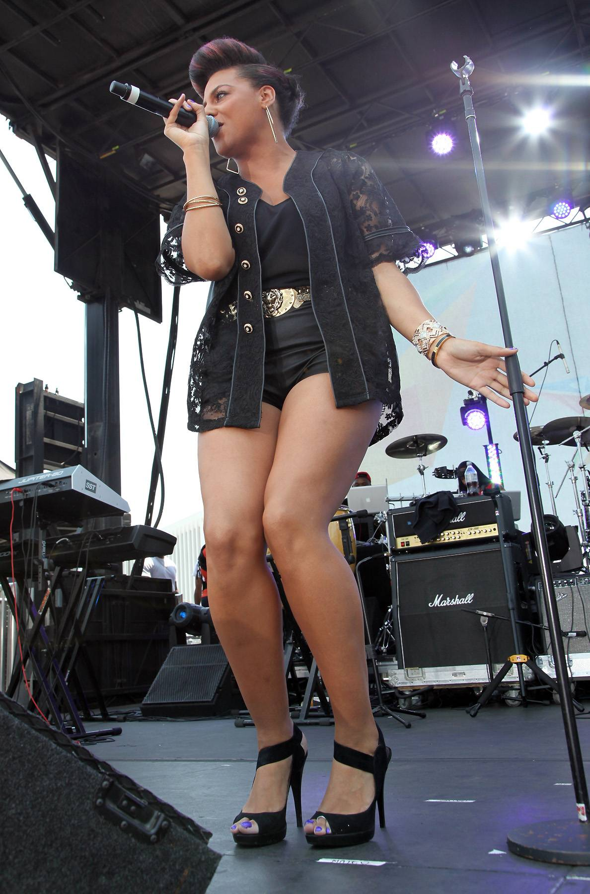 Let the Groove Fill You Up - From the momentMarsha Ambrosius steps onto the stage, she feels the music. Tip #1: Get into the groove from the minute you set foot on the stage.   (Photo: James W. Lemke/Getty Images for BET)