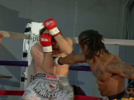 Green vs. Kaljevic - Green gets off to a good start and dominates in the ring.