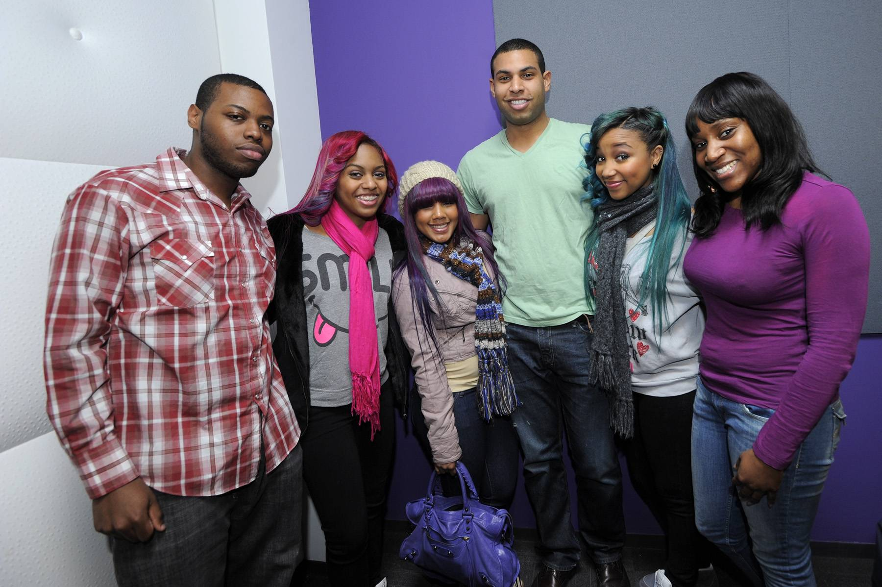 New Fans - Yeah, the OMG Girlz were so impressive that they made fans out of the BET staff!(Photo: John Ricard / BET)